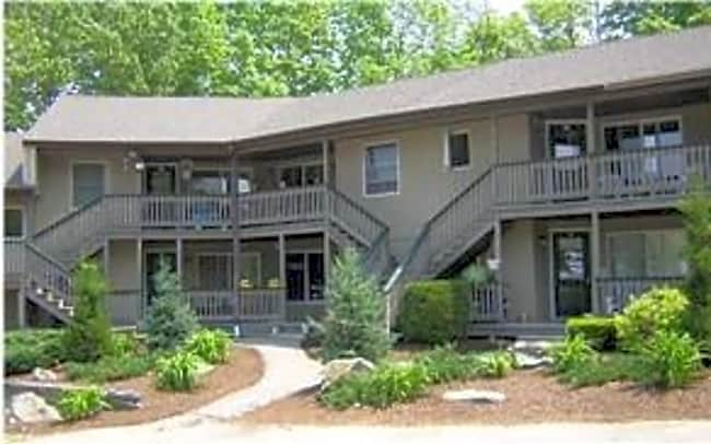 5 Bennett Way Apartments - Newmarket, New Hampshire 03857