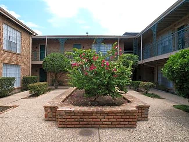 Tanglewood Place Apartments - Houston, Texas 77057