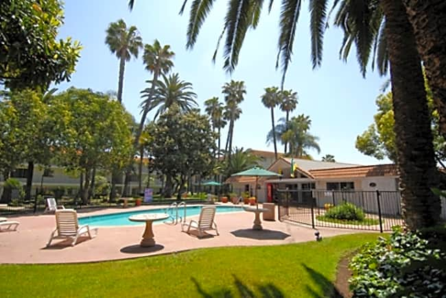 Casa Grande Apartments - Escondido, California 92025