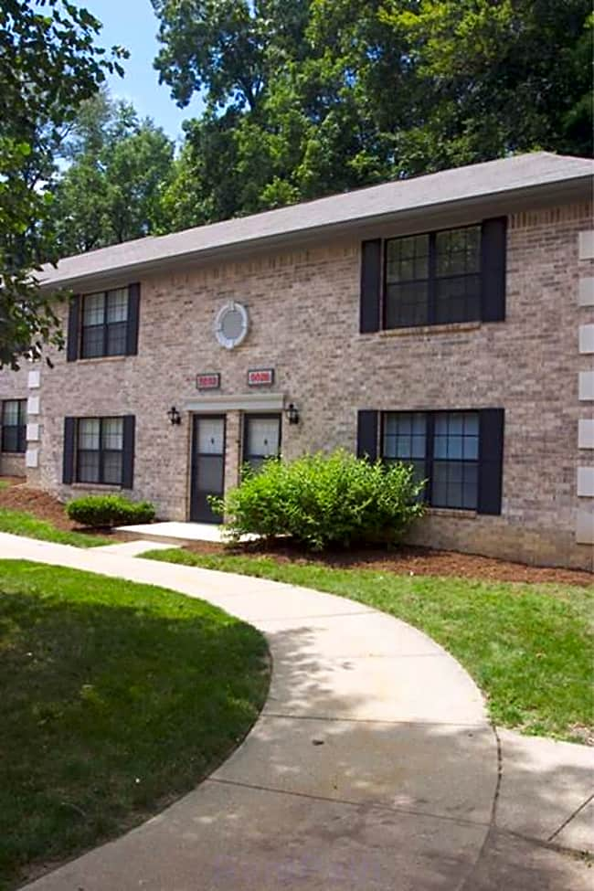 Eastlake Woods Apartments - Columbus, Indiana