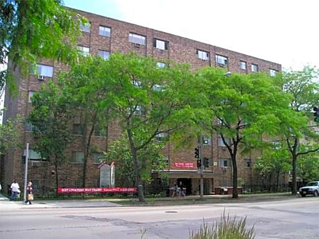 North Shore Apartments - Chicago, Illinois 60626