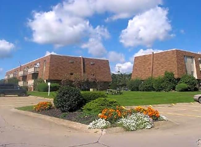 Portage Pointe Apartments - Wooster, Ohio