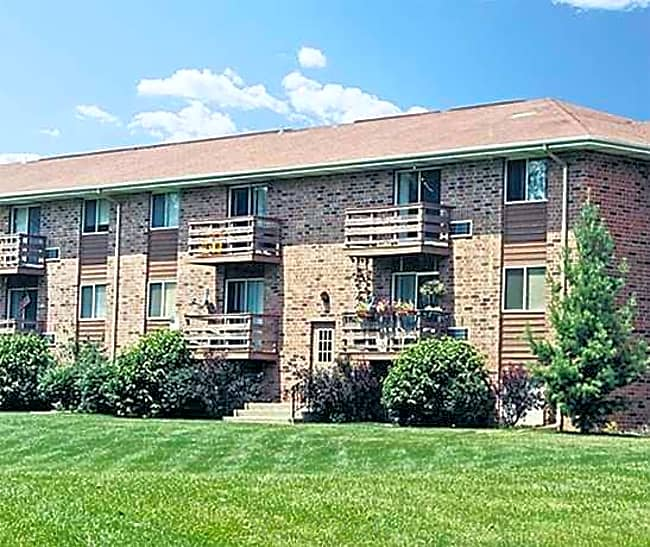 Heritage Green Apartments - Mundelein, Illinois 60060