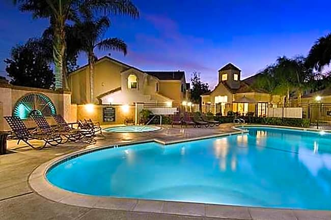 El Paseo Apartment Homes - Tustin, California 92780