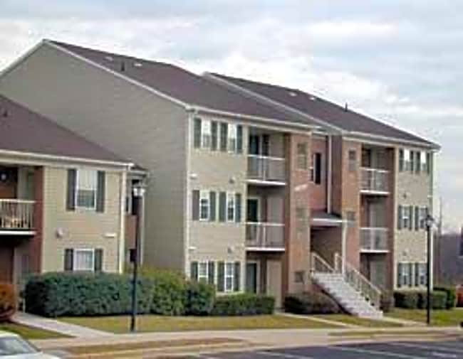 Madison Ridge Apartments - Centreville, Virginia 20121