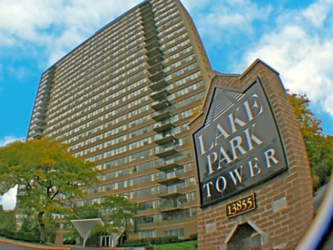 Lake Park Tower Apartments - Cleveland, Ohio 44118