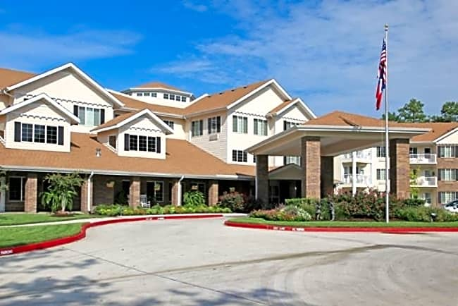 Cypress Woods Independent Retirement Living - Kingwood, Texas 77339