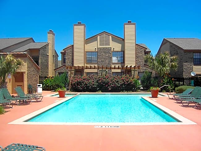 Huntington Cove Townhomes - Farmers Branch, Texas 75234