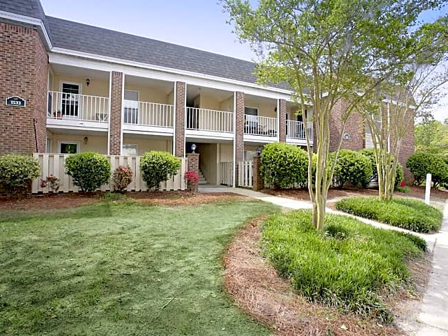 Glenmeade Village Apartments - Wilmington, North Carolina 28401