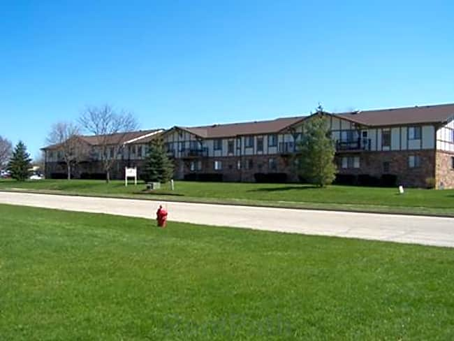 Wyndham Place Apartments - Germantown, Wisconsin 53022