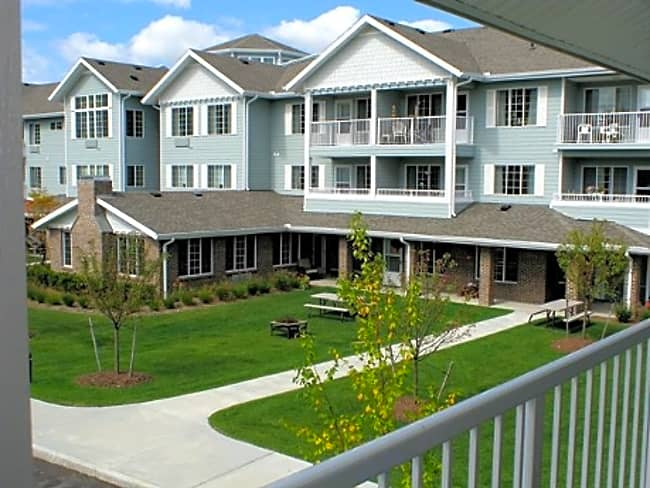 Kittery Estates Independent Retirement Living - Kittery, Maine 03904