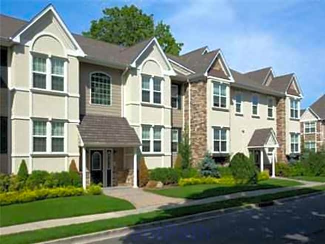 Fairfield Courtyard at Farmingdale - Farmingdale, New York 11735