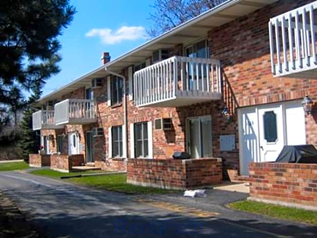 Depot Road Apartments - Gurnee, Illinois 60031