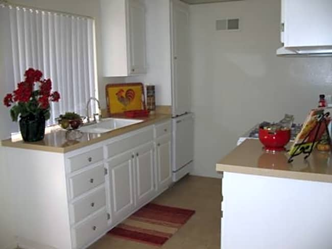 Casa Verde Apartments - Riverside, California 92507