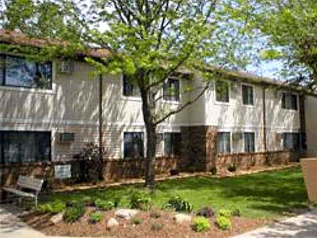 Gracie Park Apartments - Grinnell, Iowa