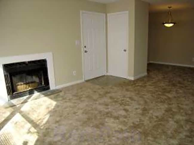 Harpeth Trace Apartment Homes - Dickson, Tennessee 37055