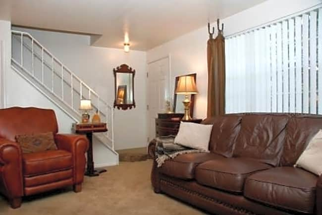 Yorkshire Square Townhomes - Colorado Springs, Colorado 80918
