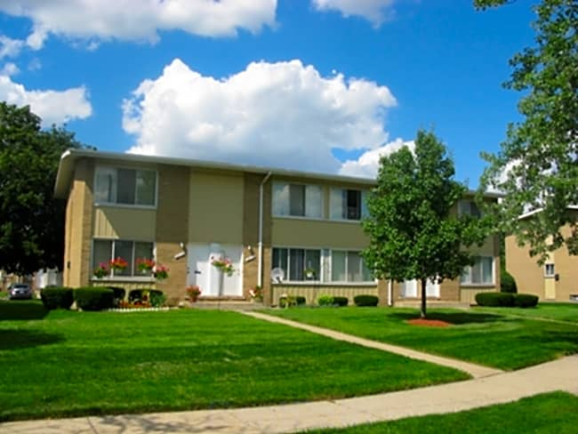 Dearborn West Apartments - Dearborn Heights, Michigan 48127