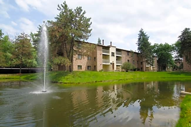 Burnt Tree Apartments - East Lansing, Michigan 48823