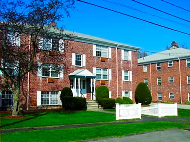 Brookside Apartments - Woburn, Massachusetts 01801
