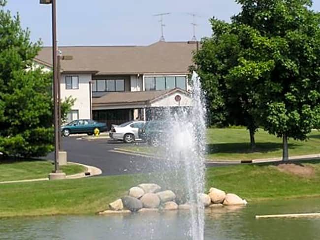 Waverly Meadows Apartments for Senior Living - Holland, Michigan 49423
