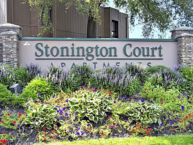 Stonington Court - Lindenwold, New Jersey 08021