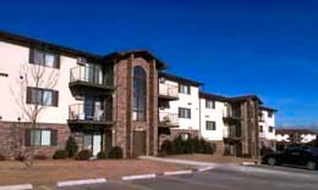 Shagbark Apartments - Kenosha, Wisconsin 53144