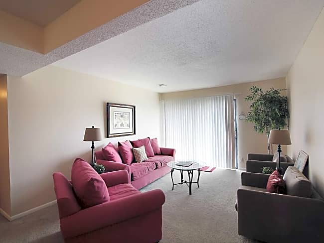 Kingston Cove Apartments - Wichita, Kansas 67217