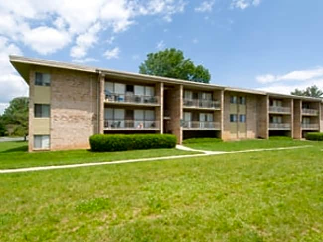 White Oak Park Apartments - Silver Spring, Maryland 20904