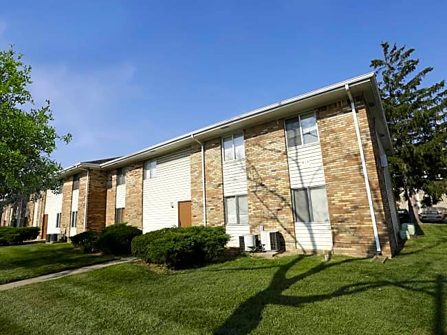 Cloverleaf Apartments - Indianapolis, Indiana 46241