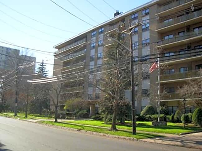 Grand Imperial Apartments - Hackensack, New Jersey 07601