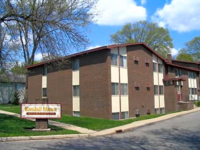 Kendall Manor Apartments - Kalamazoo, Michigan 49006