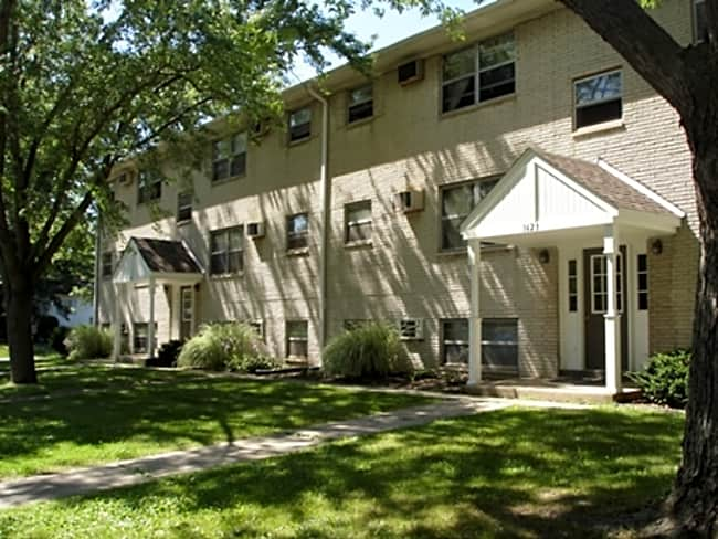 State Place Apartments - Chesterton, Indiana 46304