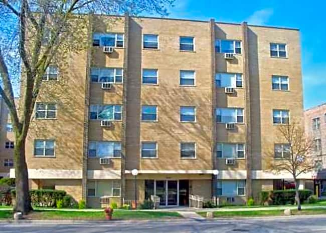 7616 S. Shore Drive - Chicago, Illinois 60649
