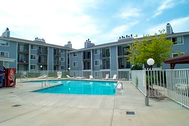 Heatherwood Apartments - Colorado Springs, Colorado 80917