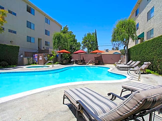 Parkview Apartments - Encino, California 91316
