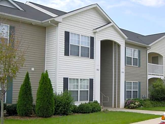 Phillips Landing Apartment Homes - Statesville, North Carolina
