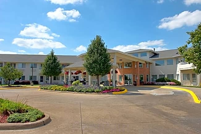 Walden Place Independent Retirement Living - Iowa City, Iowa 52246