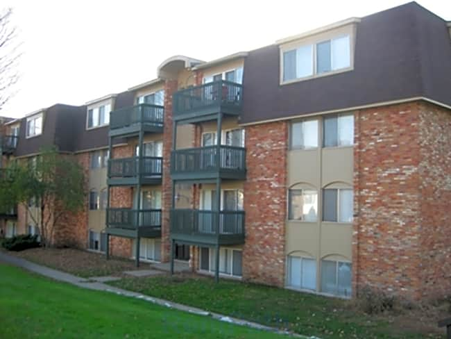 Whitehall Apartments - Kalamazoo, Michigan 49006