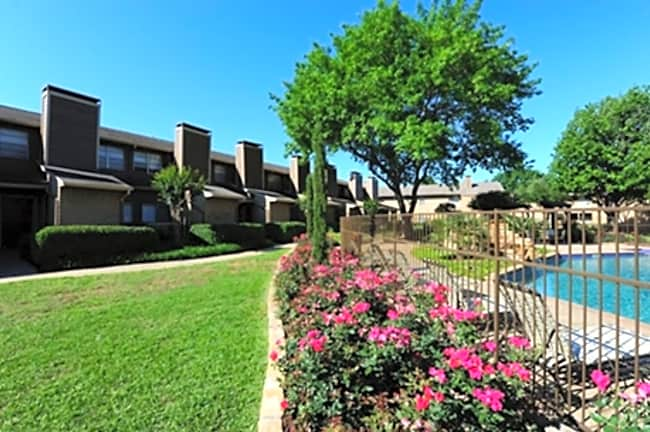 Northwood Place - Arlington, Texas 76006
