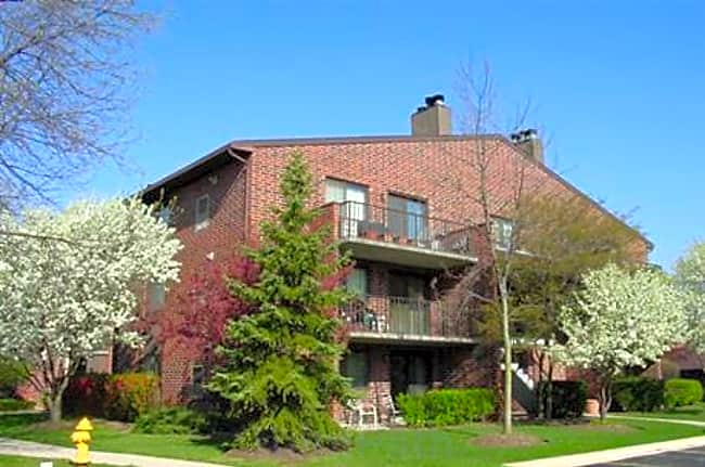 Willows of Wheaton Apartments - Wheaton, Illinois 60187
