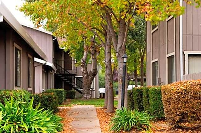Courtyard Cottages - Sacramento, California 95828