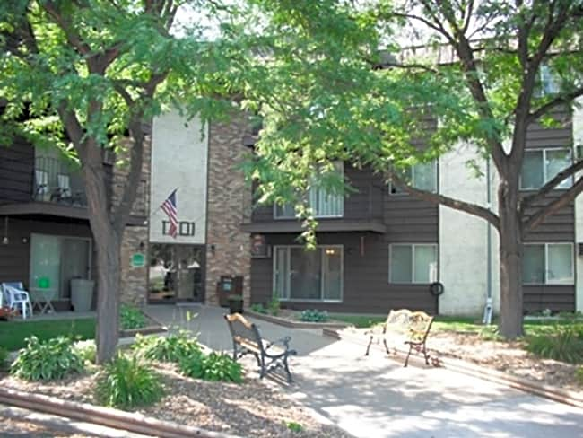 Earle Brown Farm Apartments - Brooklyn Center, Minnesota 55430