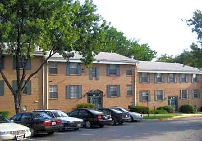 Finian's Court Apartments - Lanham, Maryland 20706