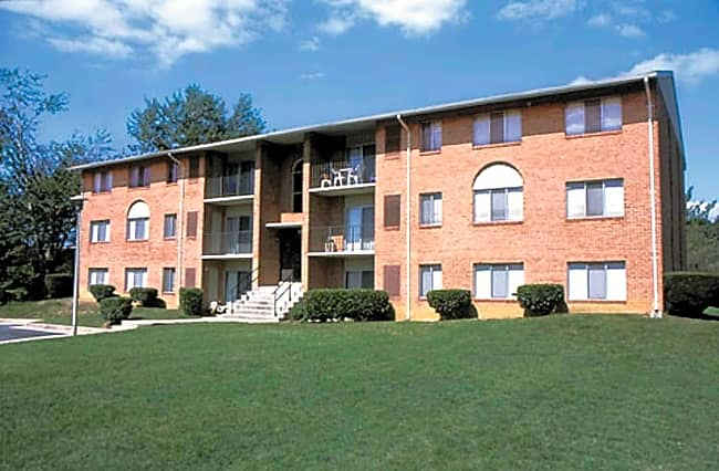 Seminary Roundtop Apartments - Timonium, Maryland 21093