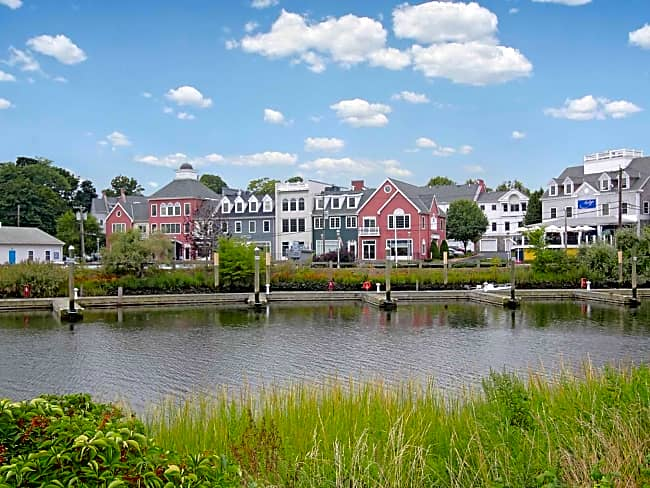 Spinnaker Wharf - Milford, Connecticut 06460