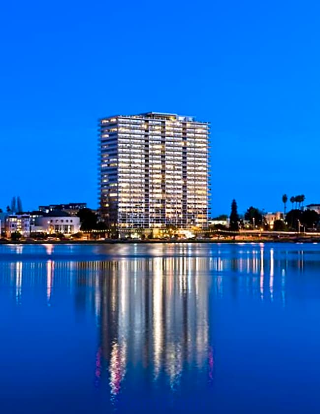 1200 Lakeshore Apartments - Oakland, California 94606