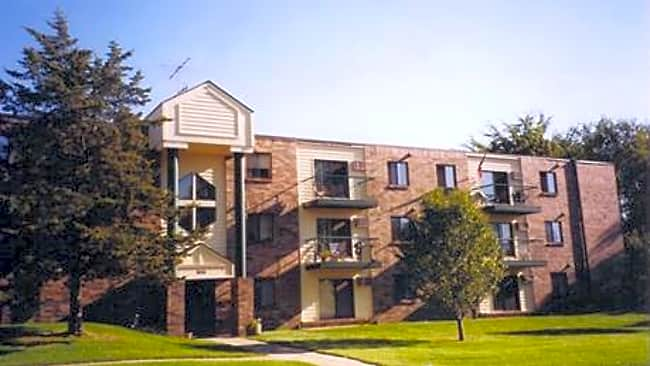 Pine Pointe Apartments - Saint Cloud, Minnesota 56304