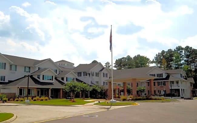 Lighthouse Pointe Independent Retirement Living - Chesapeake, Virginia 23322