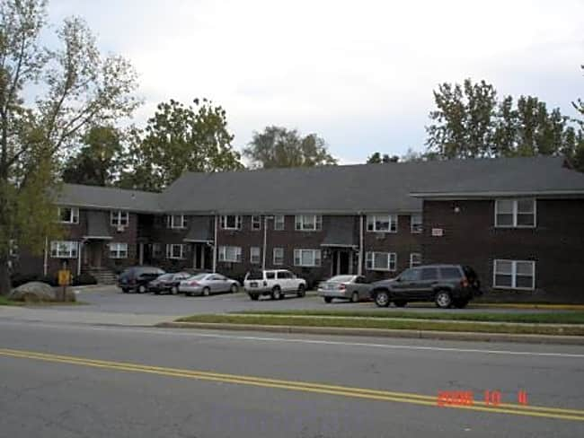 Olde Forge Hill Apartments - New Windsor, New York 12553